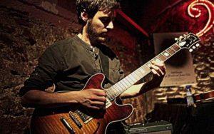 Adrià Plana, guitarra